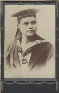 Leonard Ringebach en costume de marin allemand